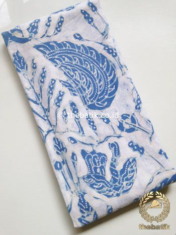Kain Batik Tulis Warna Alam Indigo Sidoasih Latar Putih | #Indonesia #Batiks #Eco #Fabric #NaturalDye Organic Hand-dyed #Textiles http://thebatik.co.id/kain-batik-bahan/batik-warna-alam/