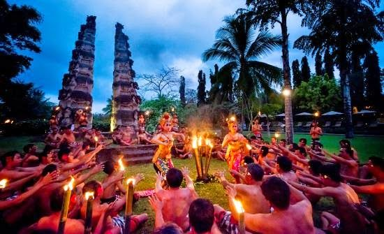 Bali Indonesia Holiday Travels: The Balinese Kecak Dances
