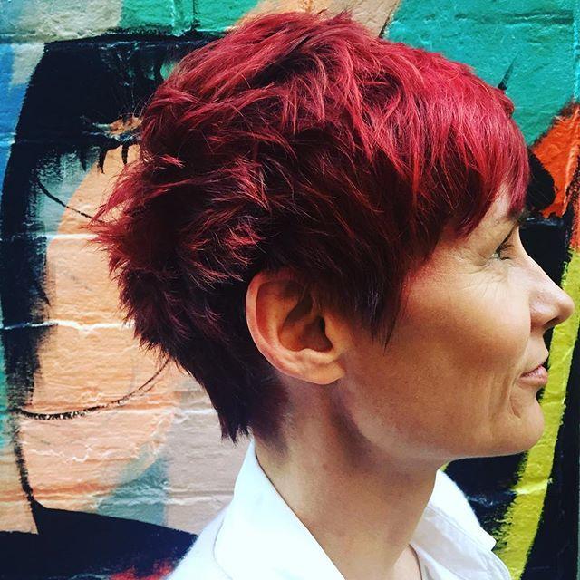 We love colour changes!! Susan went from a dark plum to this vibrant red❗️❤️ Colour • Senior Technician Sarah Cut • Art Director Jude @toniandguyau @toniandguyperth #WellaProANZ #WellaHair #labelmau #Short #Feminine #BlowDry #UnderCut #Grey #Balayage #Beautiful #ColourBomb #Peach #Pink #Wavy #Waves #Natural #Bob #StraightHair #Hair #PerthHair #Hairdressing #Perth #WolfeLane #Laneway #Style #Ladies #HairStyle #Fashion #InstaHair #PerthSalon #WolfeLane