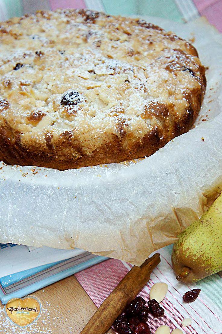 Torta crumble con pere e mirtilli rossi