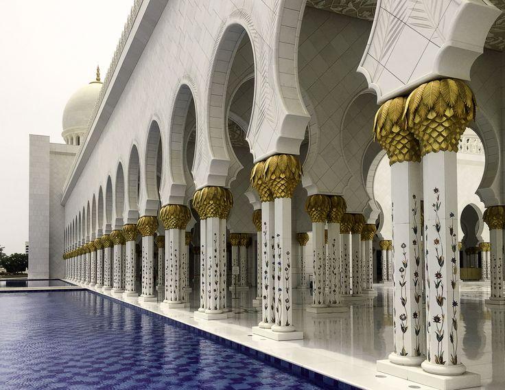 Sheihk Zayed Mosque in Abu Dhabi, UAE #evishaindubai