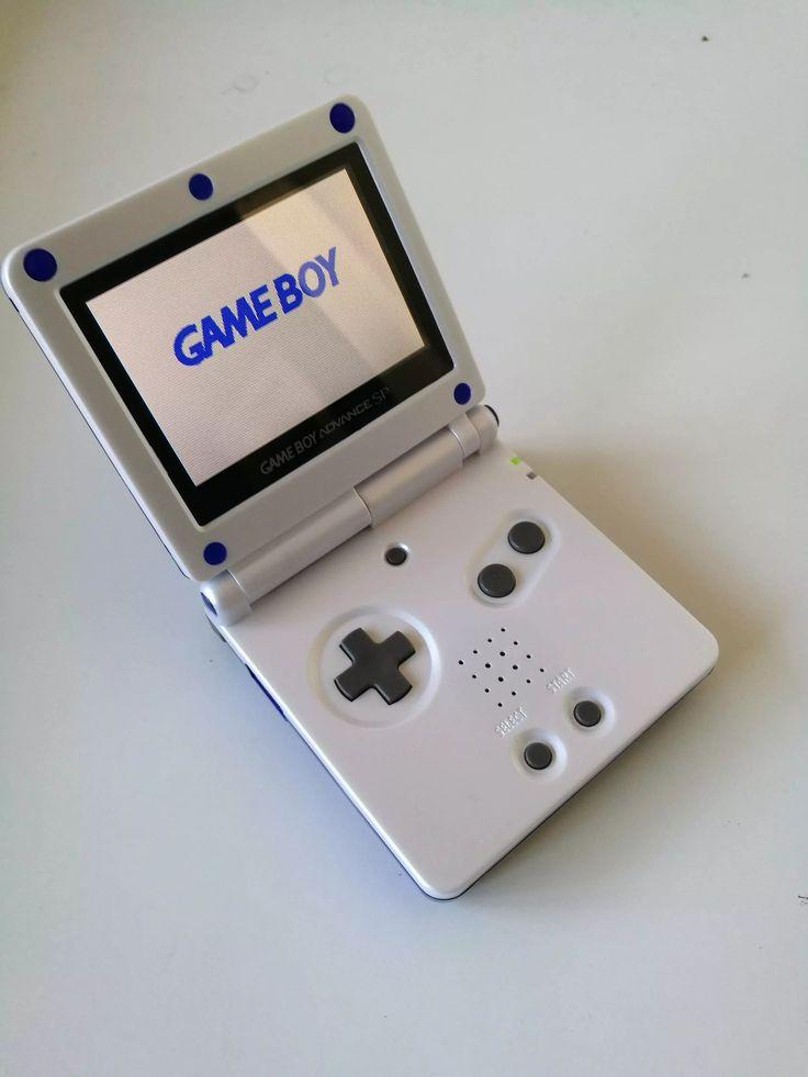 custom blue and white GBA SP 101