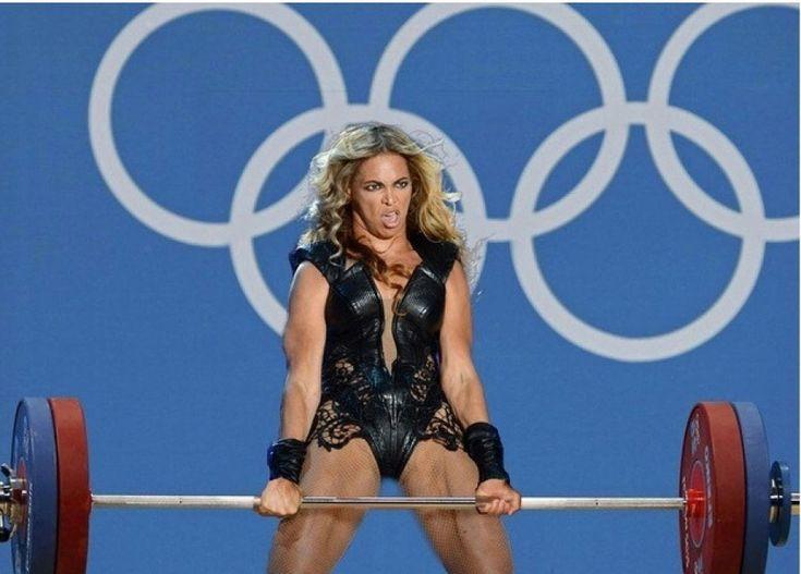 Quando l'addetto stampa di Beyoncé ha chiesto a Buzzfeed l'eliminazione degli  scatti poco lusinghieri della cantante al Super Bowl  non ha considerato che il sito potesse rincarare la dose e mettere le foto in maggiore evidenza. Ora sui social network la star, grazie alla fantasia degli uten