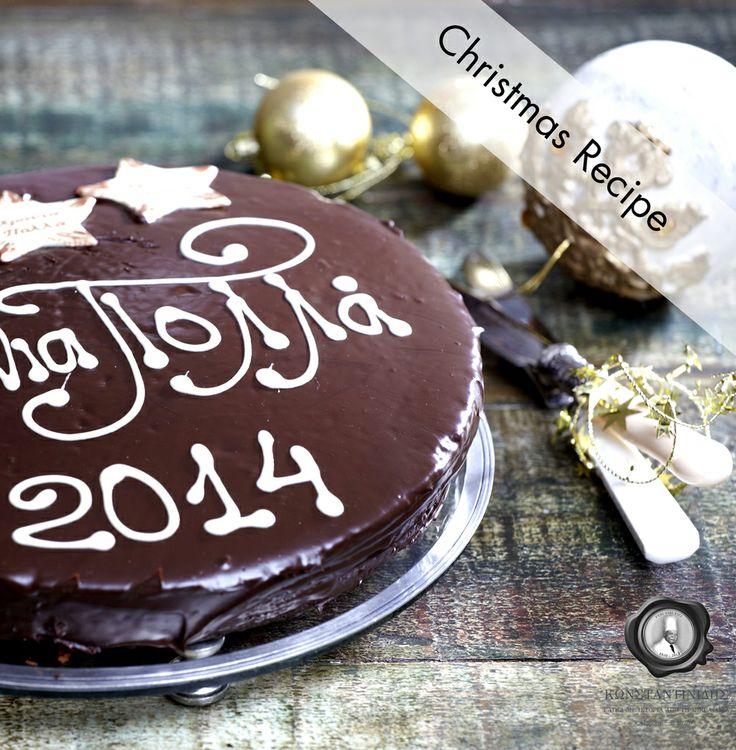 Κέικ Βασιλόπιτα, από τα εργαστήριά μας στο Πρωτοχρονιάτικο τραπέζι σας!  Επισκεφτείτε το επίσημο site των ζαχαροπλαστείων Κωνσταντινίδης, μάθετε και δοκιμάστε τη γλυκιά συνταγή για πεντανόστιμη βασιλόπιτα...  www.konstandinidis.com