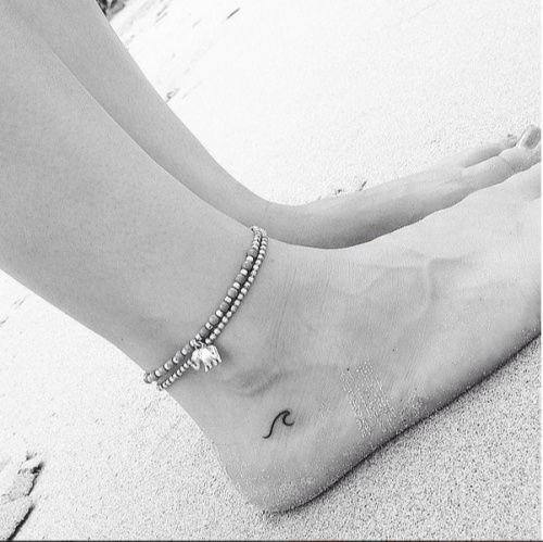Hot New Tiny Tattoo Trend Is Surprisingly Classy (And Kendall Jenner-Approved, If That Matters!)