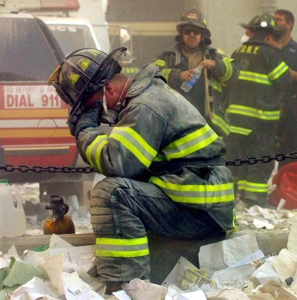 GRAPHIC PHOTOS: Unforgettable Images Of The 9/11 Attacks