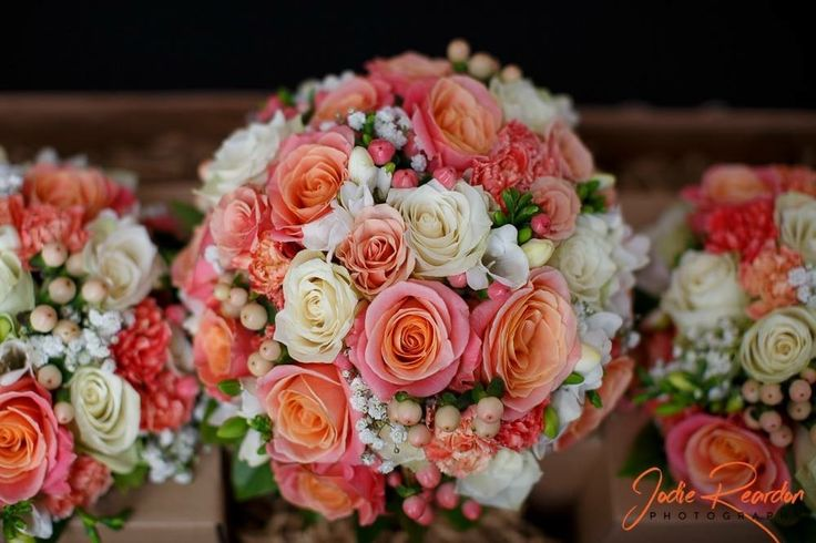 Classic Coral + White Posy Bouquet by Blooms + Twine Floral Studio // Photography by Jodie Reardon Photography // Venue Peppers Convent Hunter Valley
