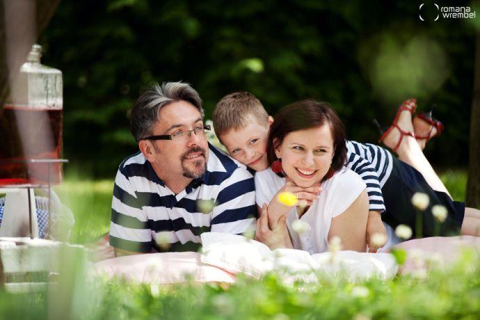 <3 family outdoor shoot