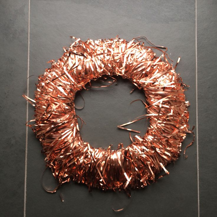 Copper wreath hang it in your home to add colour or to complement a sophisticated minimalist look. #copper #wreath #home #gift #decor #minimal #handmade #uk