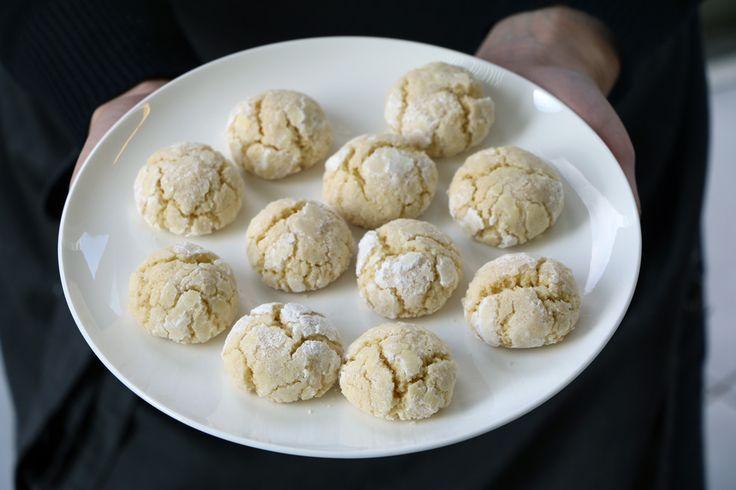 עוגיות רכות כמו עננים, עם פריכות עדינה מבחוץ וניחוח מדהים של לימון. והכי חשוב? הן ממש פשוטות להכנה