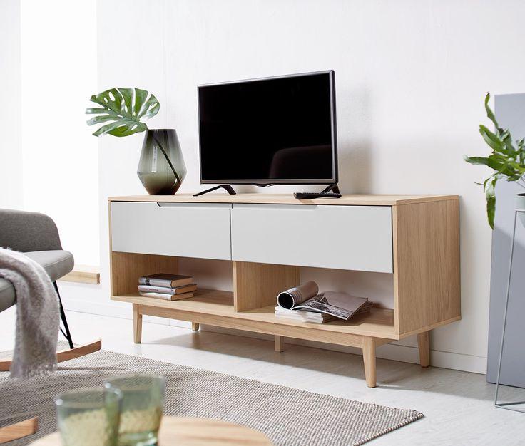 Nízká televizní skříňka s dubovou dýhou a matně bíle lakovanými zásuvkami 359219 z e-shopu Tchibo.cz