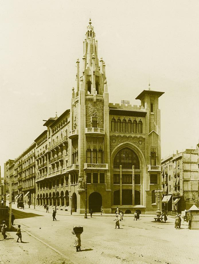 Sede central de la caixa en la via laietana de for Caixa d enginyers oficines barcelona