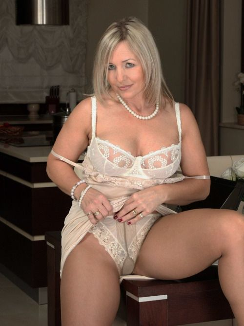 Beautiful naked moms tubes and sensuous She