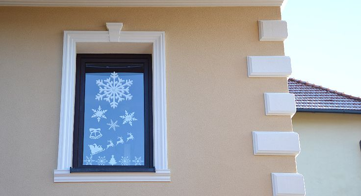 sztukateria na oknach