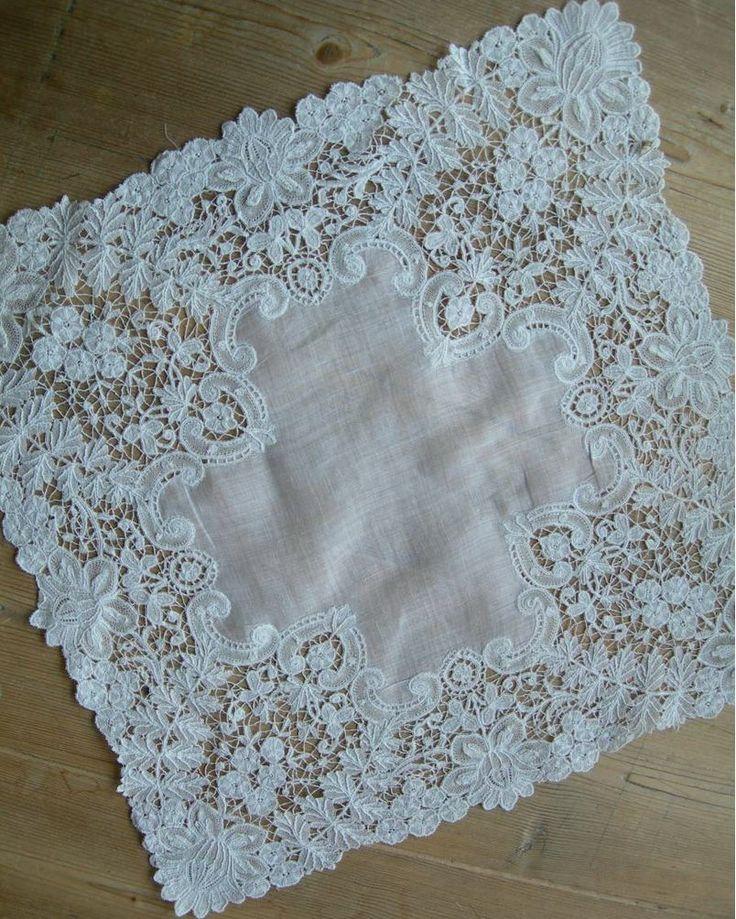 Exquisite antique handmade Brussels Duchesse lace wedding handkerchief