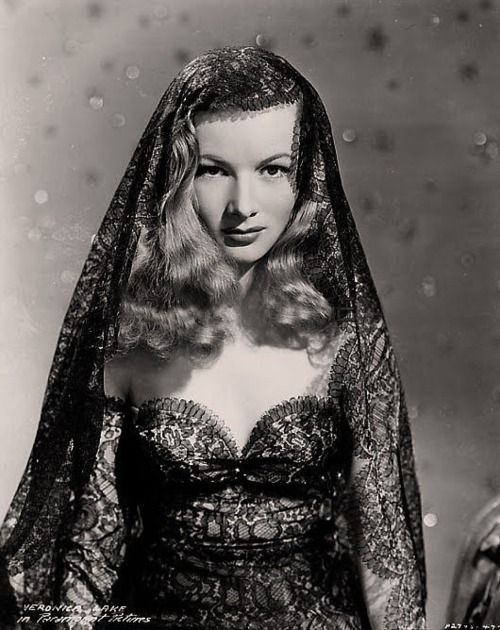 veronica lakeBlack Lace, Fashion, Icons Women, Beautiful Women, Veronica Lakes, Style Icons, Hollywood, Silver Screens, Lace Dresses