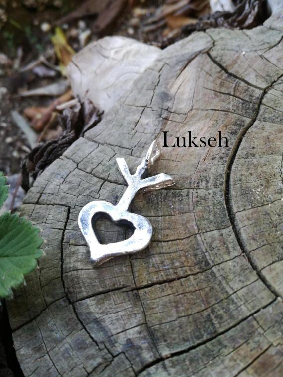 Guarda questo articolo nel mio negozio Etsy https://www.etsy.com/it/listing/268026452/ciondolo-argento-vita-nel-cuore-runa