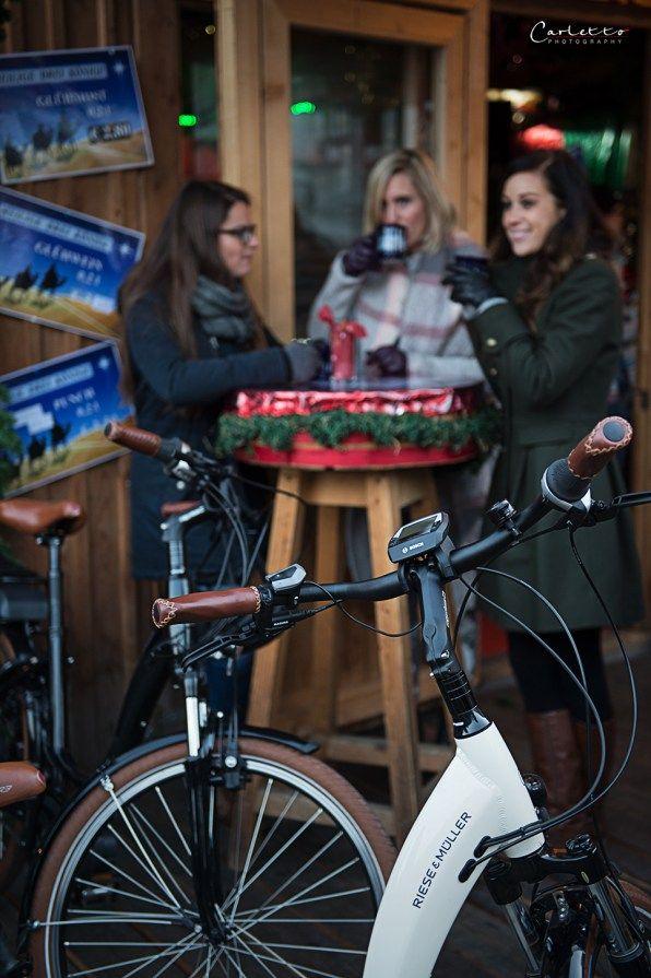 Mädelstag im Advent, Christkindlmarkt, Weihnachtsmarkt, Adventmarkt, Citybike, eBike, backen, rohe Schoko Nuss Taler, Früchebrotmuffins, Glühmost, Swirl Bread, Girls day in advent, girls trip, girls day, citybike, ebike, christmas market, baking, raw chocolate nut cookies, swirl bread, mulled wine, glogg, fruit bread muffins,