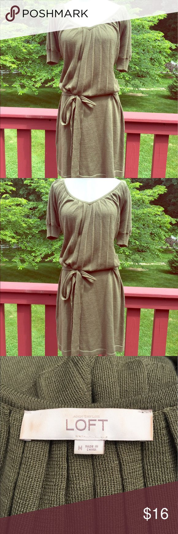 ⭐️Gorgeous Forest Green Loft Summer Dress Size M⭐️ ⭐️Gorgeous Forest Green Loft Summer Dress Size M⭐️ Size Medium. Forest green color. Great condition! Ties in the front. Perfectly paired with cream pumps. Loft brand. Next day shipping. All sales are final. Check out the cream pumps I have listed on my site, size 11. 😍😍 LOFT Dresses Midi