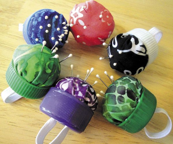 Push pin ring made out of a plastic bottle cap