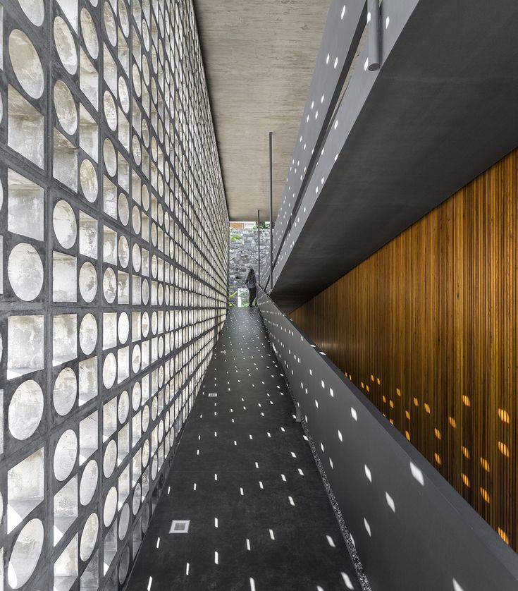 Image 20 of 58 from gallery of B+B House / Studio MK27 + Galeria Arquitetos. Photograph by Fernando Guerra   FG+SG