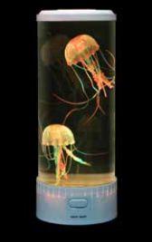Färgskiftande akvarium med maneter