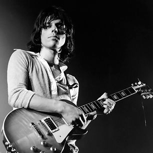 100 Greatest Guitarists: Jeff Beck | Rolling Stone - (The Yardbirds, The Jeff Beck Group, The Honeydrippers, Beck, Bogert & Appice)