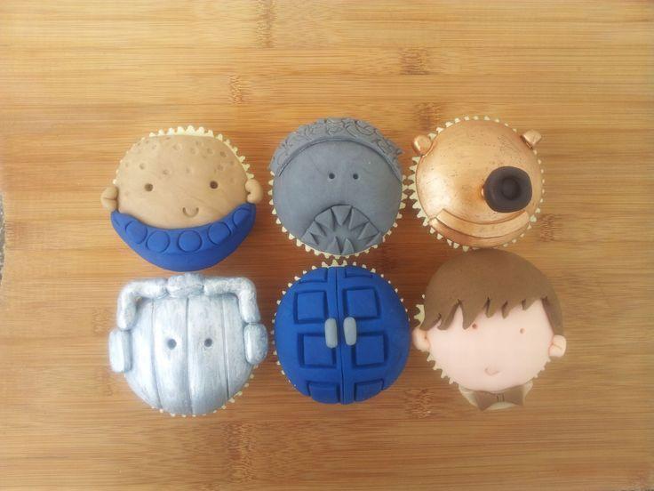 Die besten 25 doctor who cupcakes ideen auf pinterest doctor who kuchen dr who und tardis - Tardis selber bauen ...