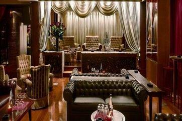Για τους λάτρεις του clubbing, το Baraonda έρχεται και φέτος να προτείνει τnν πιο elegant βραδινή ζωή, με premium cocktails και ξέφρενους χορούς μέχρι...