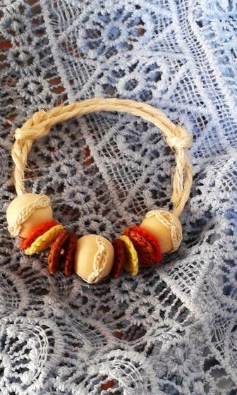 Bracelet  •Composition : 100 % fil coton •Remarque : plusieurs coloris possibles selon vos envies •Bracelet en corde réglable avec nœud coulant.    Contactez-moi pour toute commande ou demande concernant ce produit.