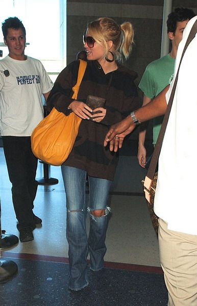Jessica Simpson Lax Airport In Los Angeles February 27 2008