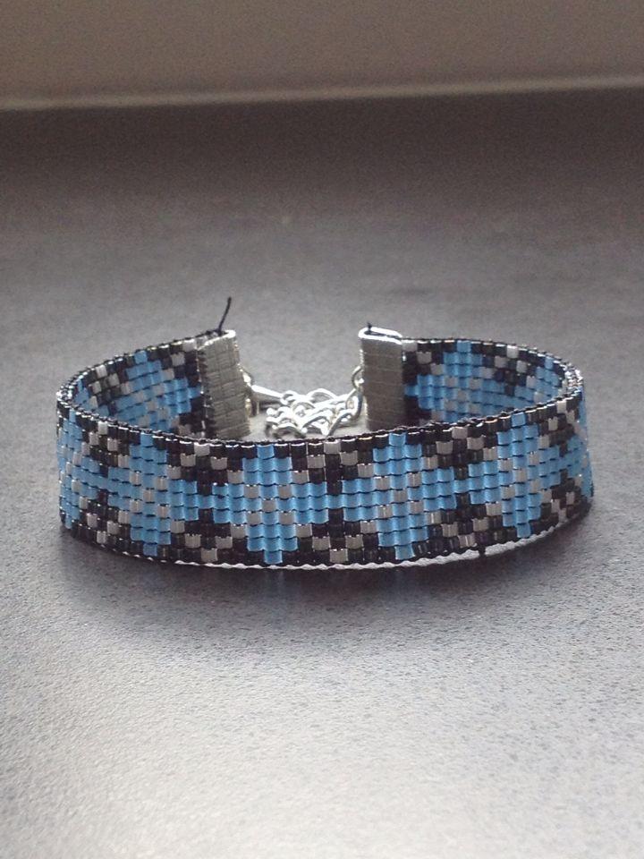 Bead loom armband