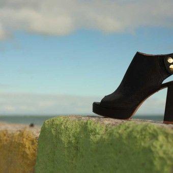 Sandalo con platò e tacco 10cm