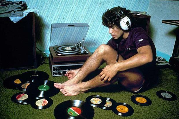 Desde la música que se escuchaba por cábala hasta las inspiraciones posteriores: repaso de la discoteca campeona a 30 años del último gran título argentino