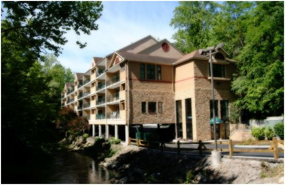 Park Place on the River is located in Gatlinburg, TN, just steps away from both the quiet solitude of the Smoky Mountains National Park and charming downtown shops, restaurants and attractions of Gatlinburg. If you are looking for the perfect downtown Gatlinburg Condo rental you have found the place. Park Place offers private Gatlinburg lodging and luxury downtown condo rentals in Gatlinburg, Tennessee.