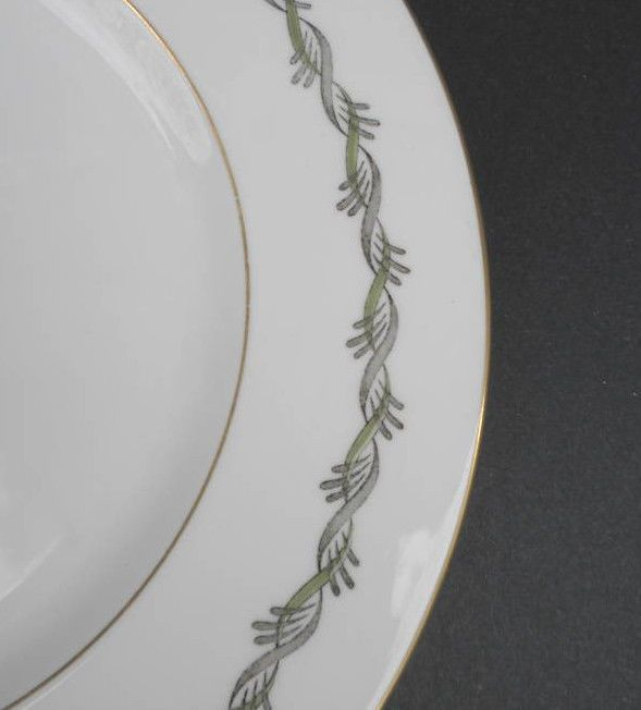 Details About Wedgwood Uk Dinner Plate S Chiltern W4284 Twisted Ribbon Design Bone China Twisted Ribbons Ribbon Design Dinnerware Tableware