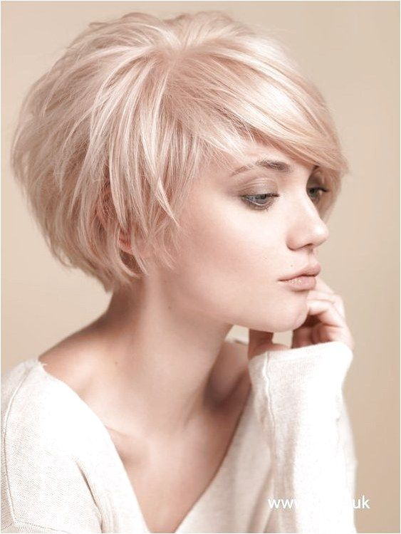 Balayage Short Hairstyles for Thin Hair Women Over 30-40 The chic crop is completed with a wonderful fringe design which boost the charm and grace of ...