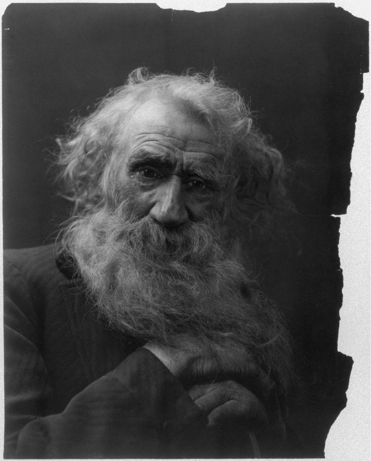 Fitz W. Guerin (1846-1903) a reçu la Medal of Honor pour sa bravoure lors de la Guerre civile américaine, à son retour il s'est installé à Saint Louis et a commencé à apprendre la photographie en travaillant comme assistant. Après des années d'apprentissage, finalement, en 1876 il crée son propre studio. En 1878 il remporte …