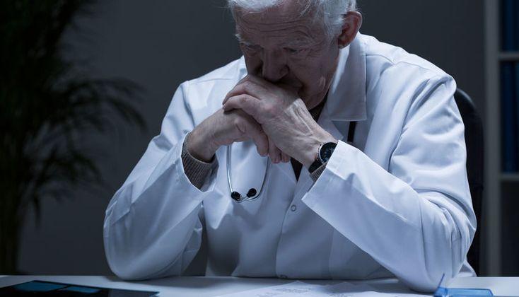 "Breaking News: Internal Medicine Attending is ""Old as F**k"" - http://gomerblog.com/2017/03/old-fk/?utm_source=PN&utm_campaign=DIRECT - #Internal_Medicine, #Old_Attending, #Rounds"