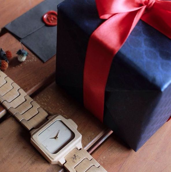 A timepiece of happiness in a special box.