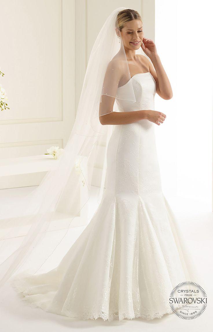 Beautiful veil S144S from Bianco Evento #biancoevento #veil #swarovski #weddingdress #weddingideas #bridetobe