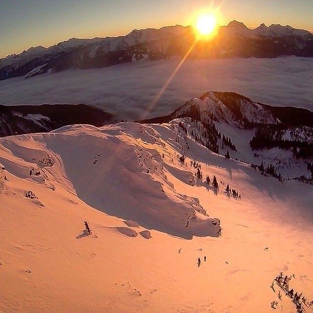 Can you spot this skier flying down the slopes in British Columbia? Thanks for sharing, Sean! ||| Voyez-vous le skieur qui dévale cette pente de Colombie-Britannique? Merci pour ce jeu de cache-cache, @_seancochrane! #Padgram