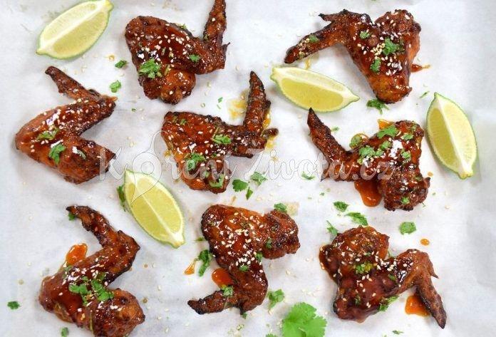 Recept na vynikající kuřecí křidélka se Sriracha marinádou a limetkou aneb Sriracha chicken wings