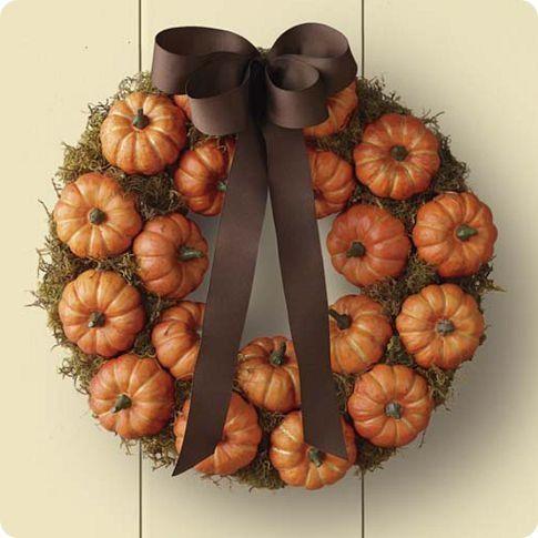 Thanksgiving Decorating: Holiday, Idea, Craft, Pumpkin Patch, Fall Decor, Pumpkin Wreath, Pumpkins, Fall Wreaths, Halloween