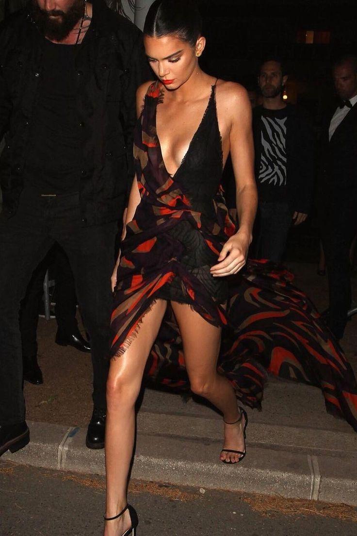 Cannes Film Festival 2016 Red Carpet | Teen Vogue