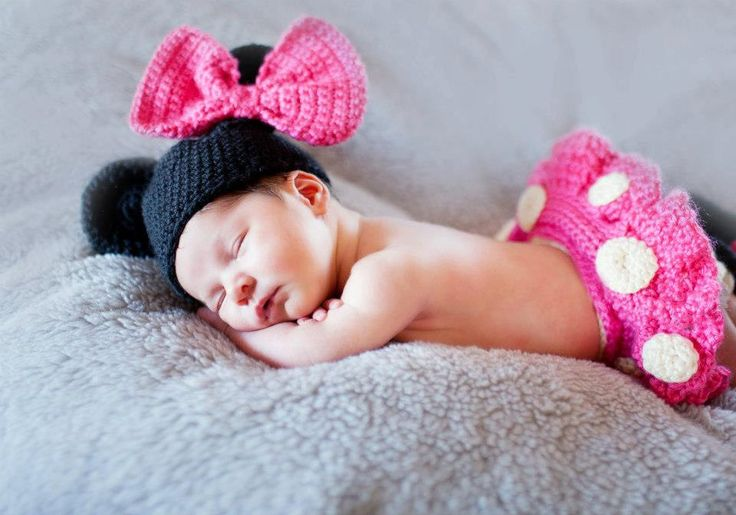 EXCLUSIVE Crochet Newborn Infant DISNEY Minnie Mouse Outfit Hat Diaper Cover with tu-tu Skirt,Shoes - in PINK.