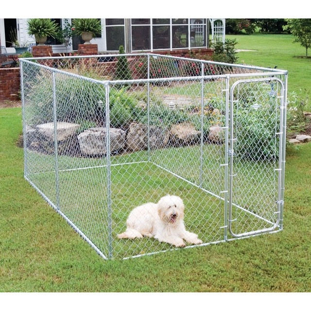 X Large Dog Run 13 x 7.5 x 6ft.......                     The X Large Dog Run is the most popular Dog Run that we sell. It is the nicest looking run in the range in regards the shape and size. All our dog runs come flat packed and self assembly is required. Assembly time is 30-40 minutes and no specialist tools are required. All contents are separated into 2 boxes, one with all the poles and the other with the chain link wire.
