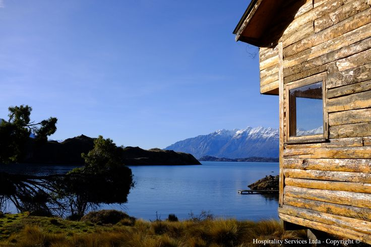 Photo: Hospitality Services Ltda - Copyright © The cabin exterior walls are covered in typical Patagonian wood.