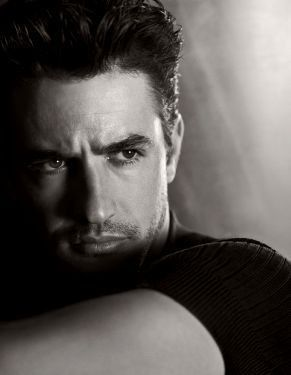Dermot Mulroney.  One of the sexiest male movie stars.  Never see him in current Hollywood magazines.  Such a hunk.