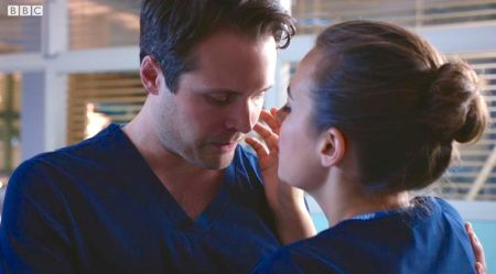 Holby City (18/11) Ollie and Zosia